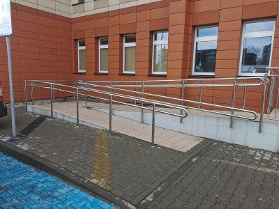 podjazd-dla-niepelnosprawnych-balustrada-szpital-mswia-1